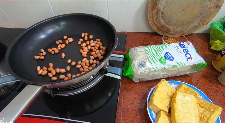 cách làm bún gạo xào chay