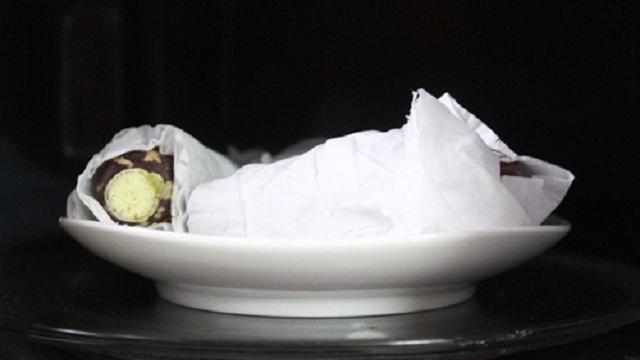 nướng khoai lang bằng lò vi sóng