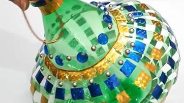 Đèn lồng trung thu bằng chai nhựa hình bầu
