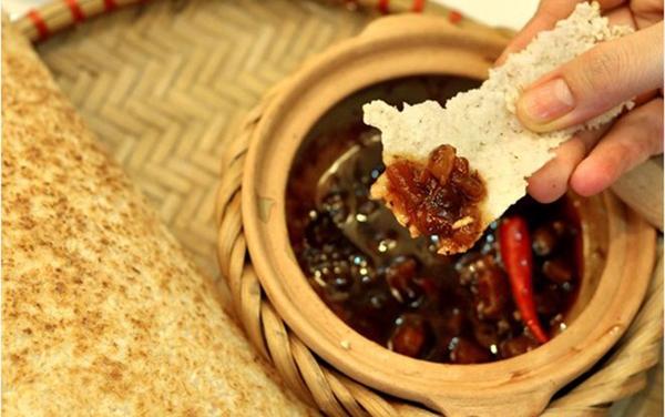 cách làm kho quẹt tóp mỡ tôm khô ăn với cơm cháy