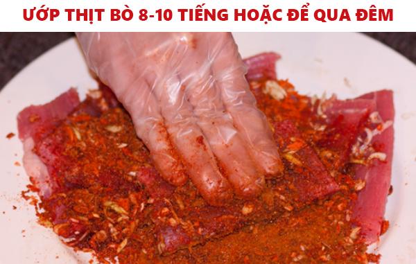 ướp thịt bò 8-10 tiếng hoặc để qua đêm