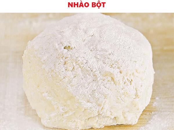 Nhào bột bánh tiêu