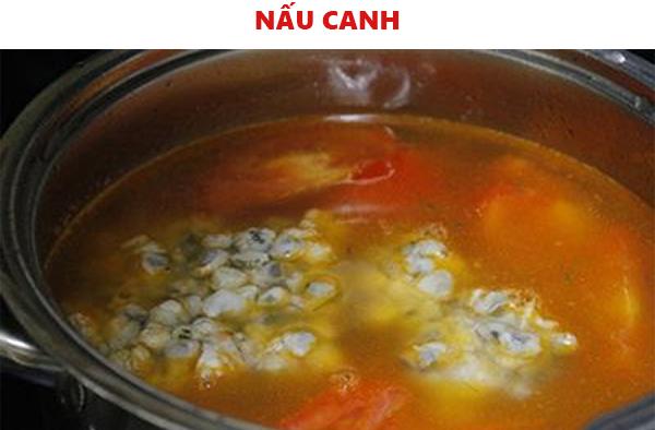 Tiến hành nấu canh hến chua