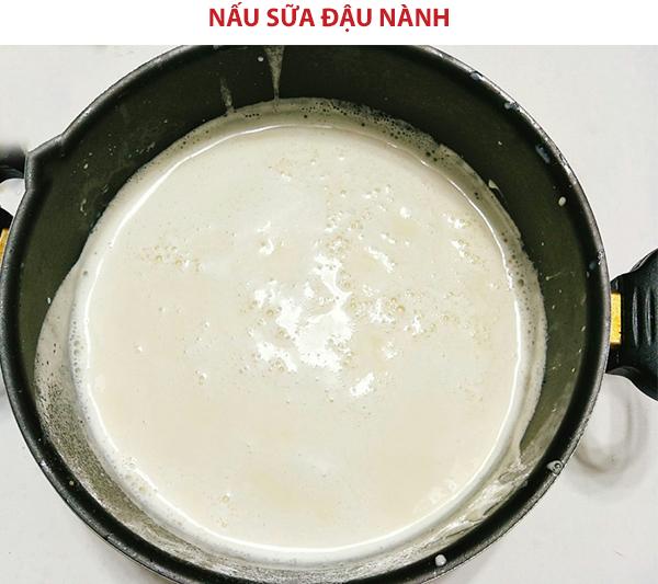 Nấu chín sữa đậu nành