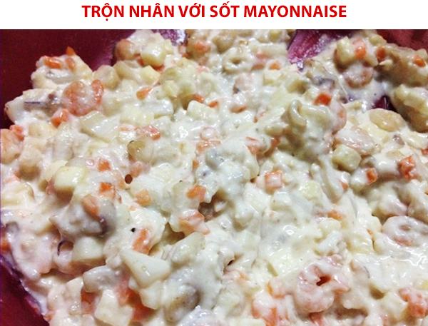 Cách làm nhân hải sản sốt mayonnaise