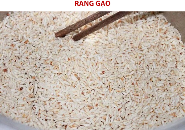 Rang gạo cho vàng giòn
