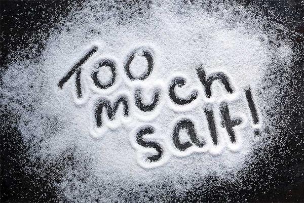 Cách khử mùi măng chua bằng muối