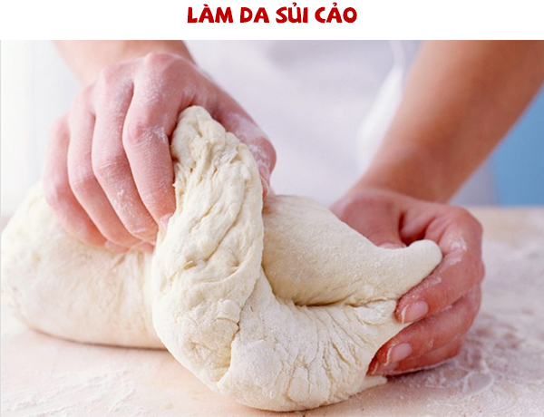 Nhào bột bánh