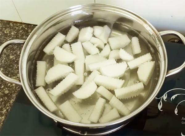 cách làm thịt kho củ cải trắng