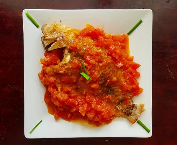 Cách làm cá điêu hồng sốt cà chua
