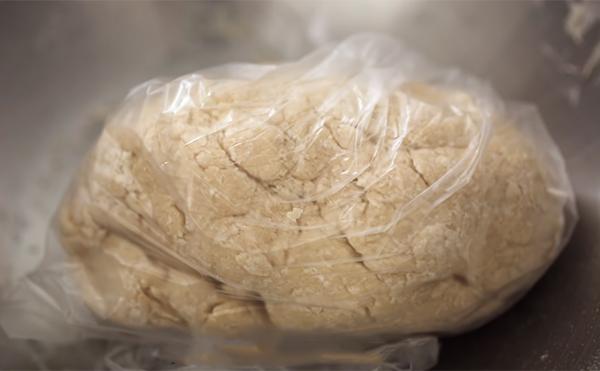 Cách nhào bột vỏ bánh sủi cảo