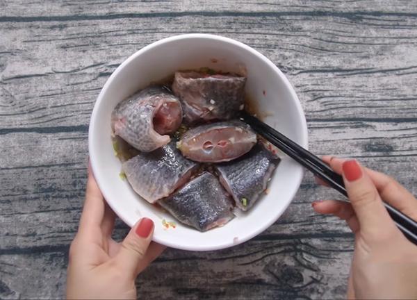 Ướp cá rô phi 15 phút