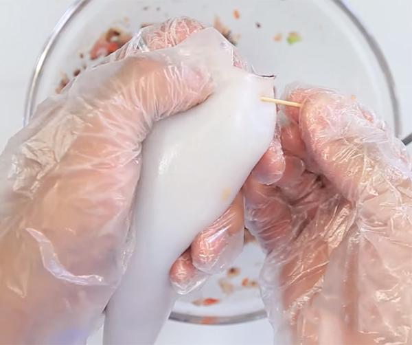 Cách làm mực nhồi thịt hấp bia