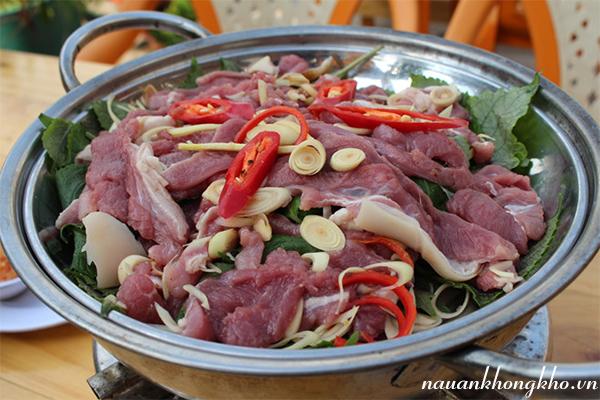 Cách làm thịt dê hấp tía tô