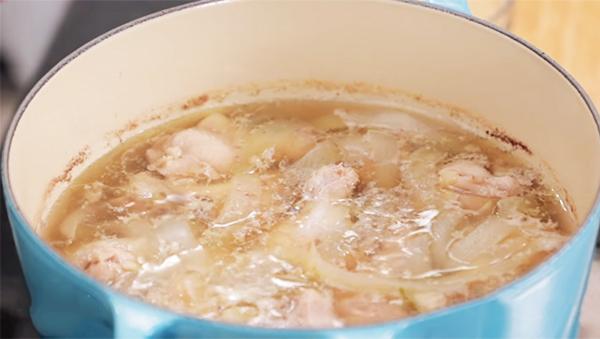 Cách nấu súp thịt gà khoai tây