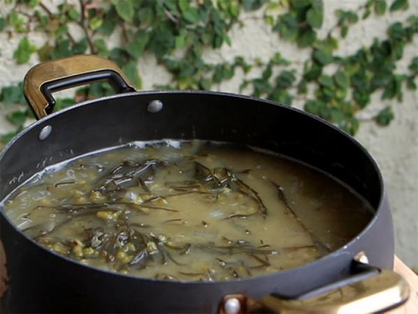 Cách nấu chè đậu xanh, nha đam, phổ tai