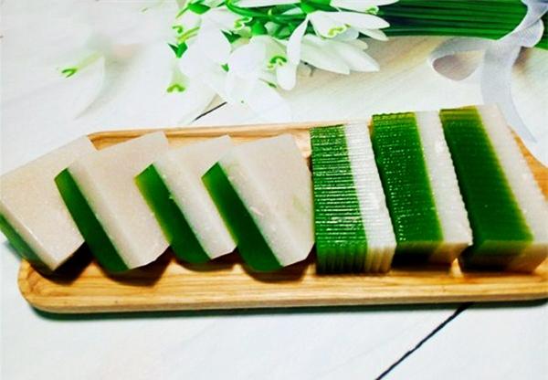 Cách làm rau câu lá dứa nước cốt dừa