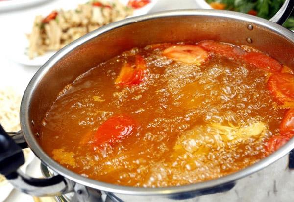 Cách nấu lẩu cá lóc chua ngọt