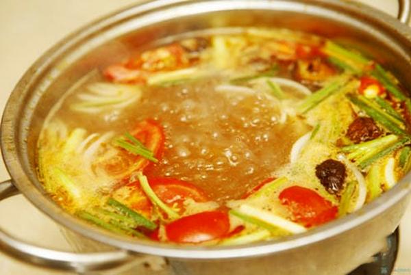 Cách làm món lẩu thái chua cay