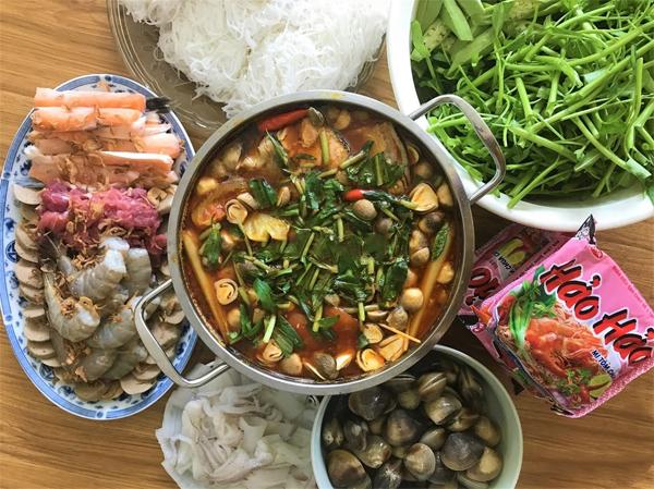 Cách nấu lẩu hải sản chua cay