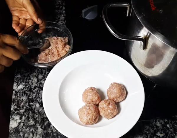 Cách nấu canh hẹ đậu hũ cà chua