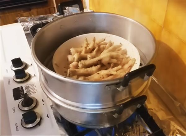 Cách làm chân gà hấp rau răm