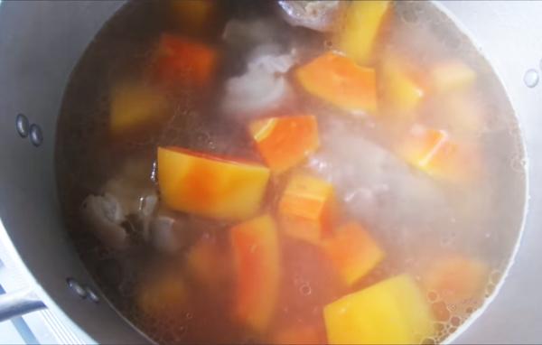 Cách nấu canh đu đủ giò heo