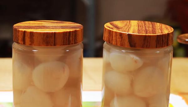 Cách làm trà vải tươi ngâm đường phèn