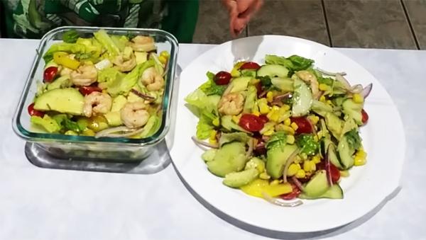 Cách làm salad bơ giảm cân tôm