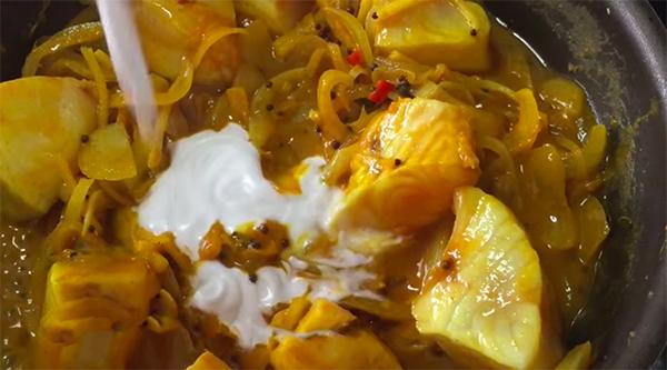 Cách nấu cà ri cá chẽm