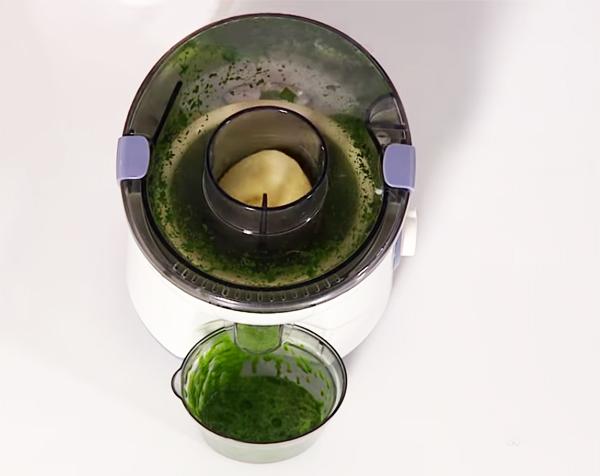 Cách làm nước ép cải bó xôi, táo, quýt