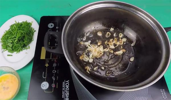Cách nấu canh hẹ trứng