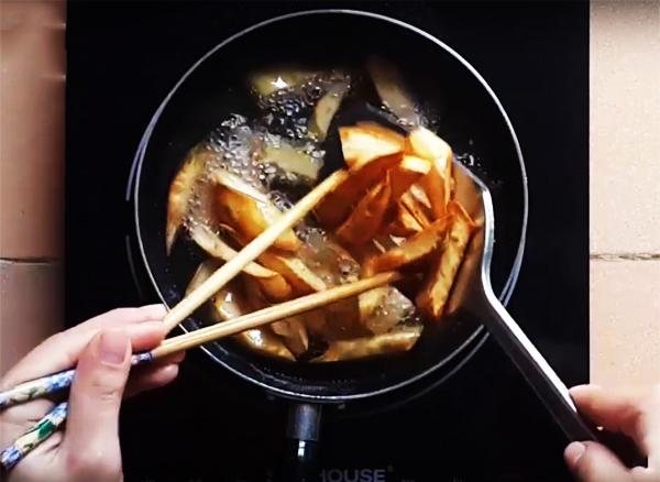 Cách làm khoai lang lắc mật ong