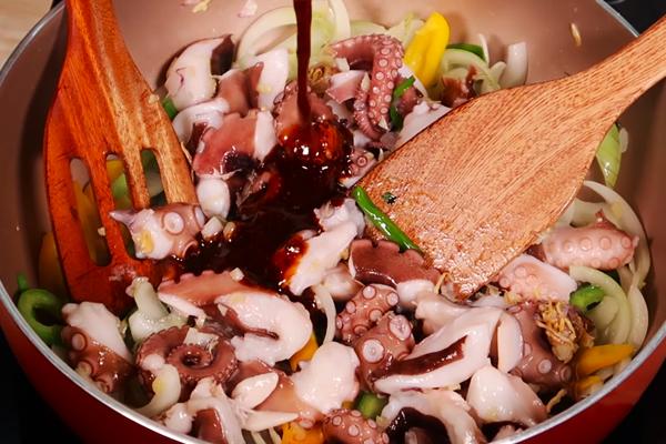 Cách làm bạch tuộc xào sa tế
