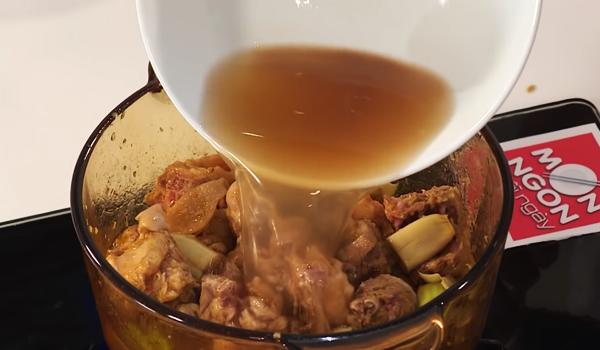 Cách làm gà nấu đậu phộng