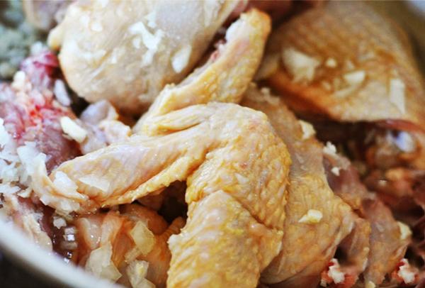Cách làm gà nấu đậu hà lan