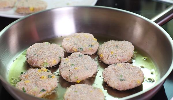 Cách làm bánh khoai tây chiên cá ngừ
