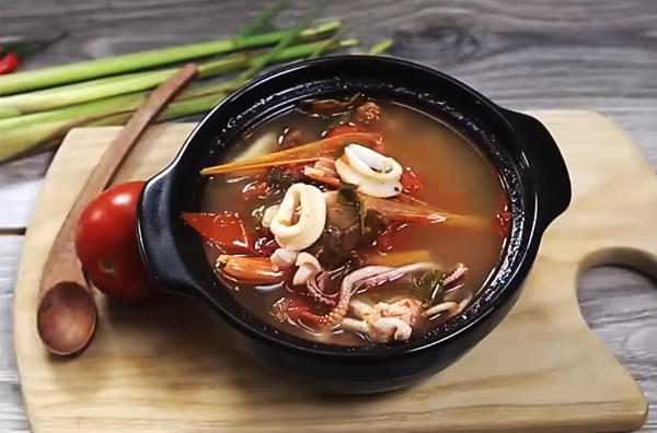 Cách nấu canh chua mực sa tế
