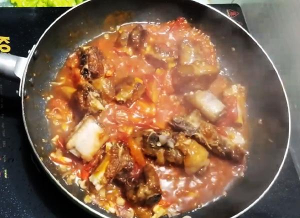 Cách làm sườn xào chua ngọt với sườn heo