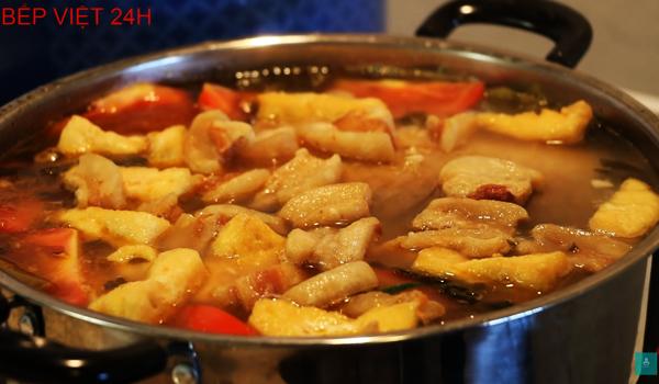 Cách nấu cá chép om dưa chua