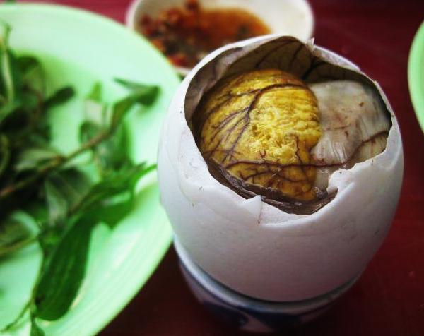 Luộc trứng vịt lộn bao lâu thì chín
