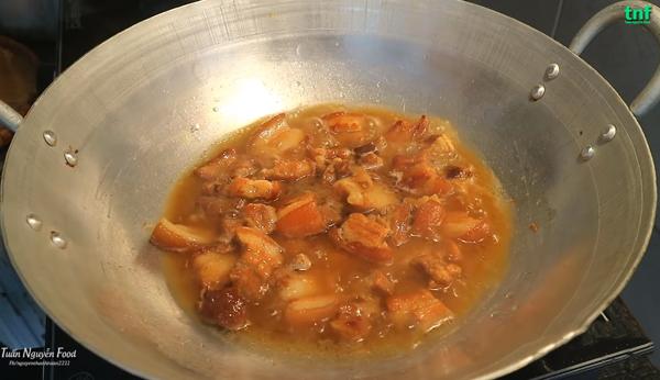 Cách làm thịt kho dưa cải chua