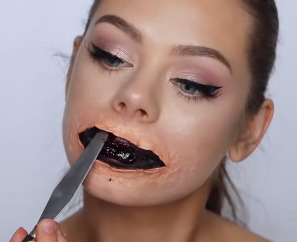 Cách hóa trang mặt nạ halloween