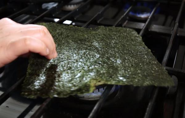 Cách làm mì trộn kiểu Hàn