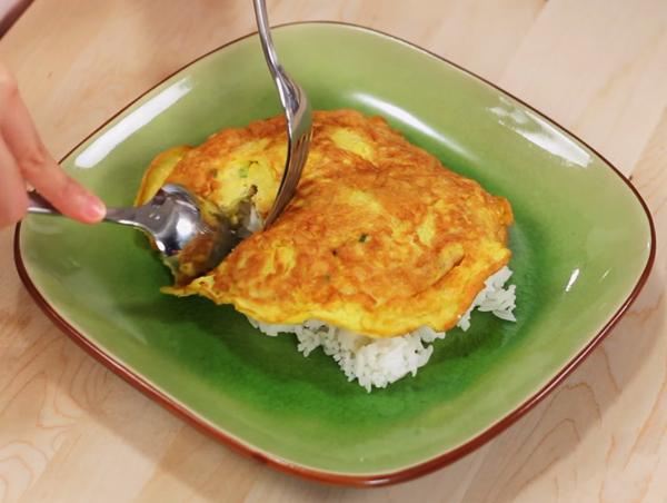 Cách làm trứng chiên thịt bằm