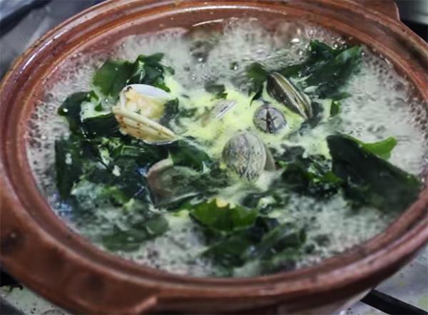 Cách nấu canh rong biển với ngao