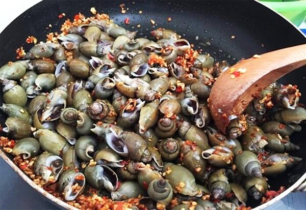 Cách làm ốc cà na rang muối ớt