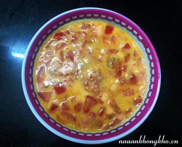 Cách làm trứng chiên thịt bằm cà chua