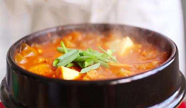Cách nấu canh kim chi đậu hũ