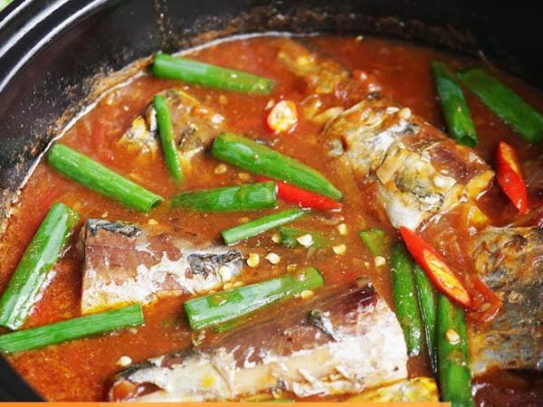 cá nục sốt cà